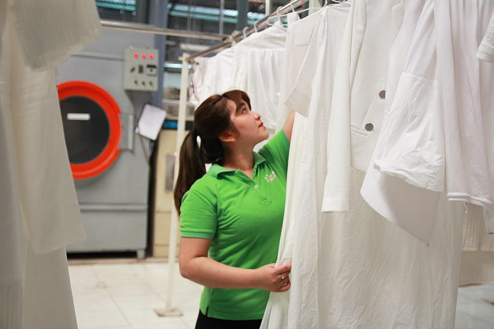 Dịch vụ giặt ủi, giặt là, giặt khô cao cấp váy đầm chính hãng châu âu tại quận 1