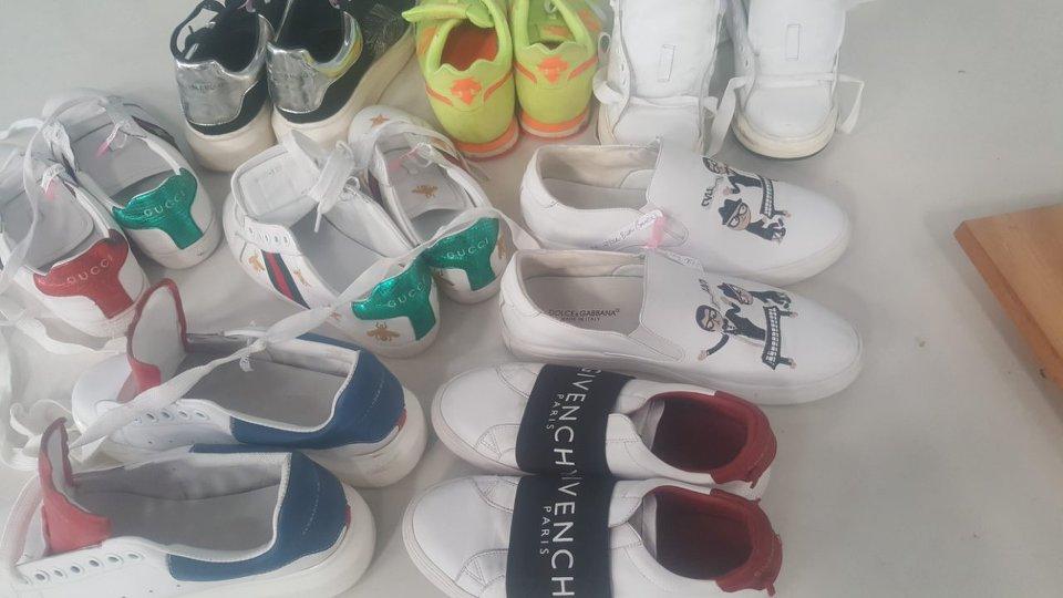 Cosmo Laundry chuyên giặt ủi, giặt hấp giày thể thao, giày vải đẹp